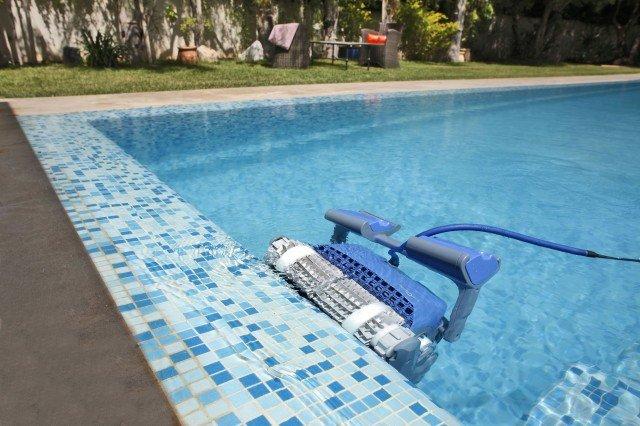 M400 dolphin Robot nettoyeur de piscine