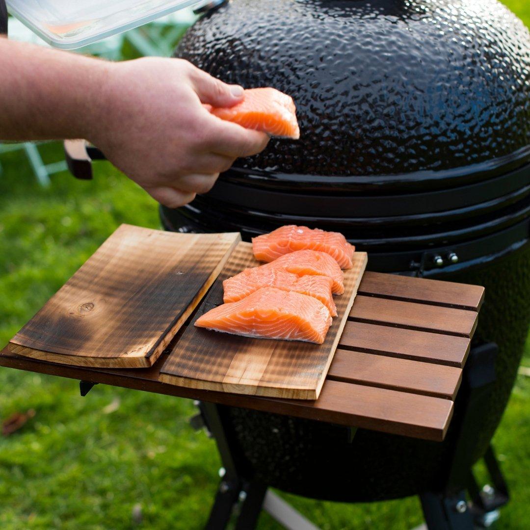 Barbecue au charbon de bois avec cuve et couvercle en céramique